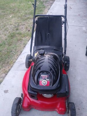 Mtd push Lawn mower works great for Sale in Colton, CA