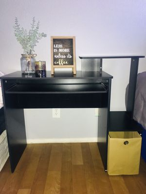 Brand New Small desk for Sale in Fremont, CA