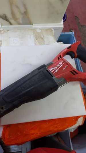 Milwaukee 18v fuel sawzall for Sale in Dallas, TX