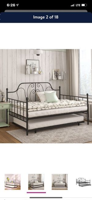 Full —twin day bed for Sale in Las Vegas, NV