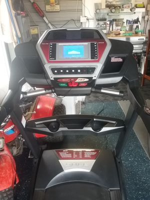 Sole F63 treadmill for Sale in Land O Lakes, FL
