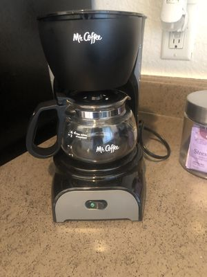 4cup coffee maker for Sale in Rollingwood, TX