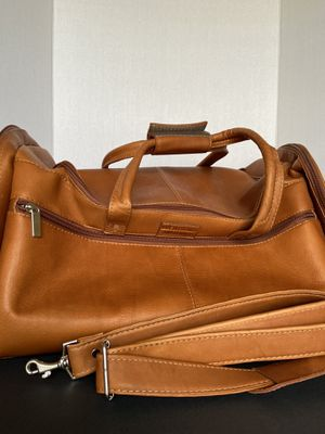 Overnights duffle bag for Sale in Kissimmee, FL