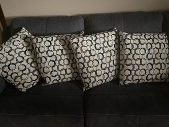 4 couch pillows 20x20 for Sale in Orem,  UT