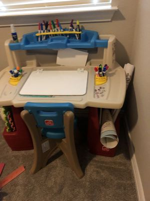 Step 2 child's desk for Sale in McKinney, TX