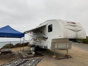 Gearbox fifth wheel toyhauler for Sale in Oceanside, CA