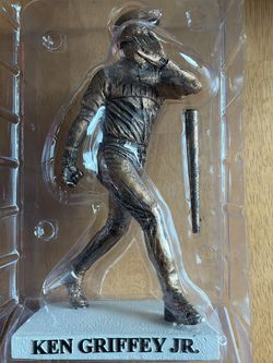 Baseball - Replica Statue Ken Griffey Jr. for Sale in Issaquah,  WA