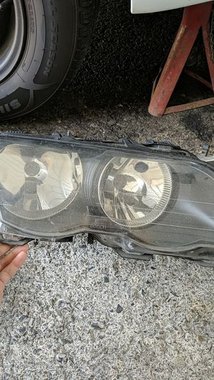 BMW E46 Headlight Assembly for Sale in Edgewood, WA