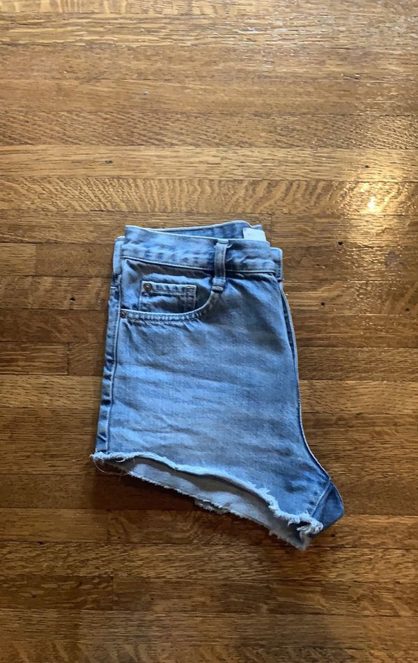 zara size 4 high waisted jean short