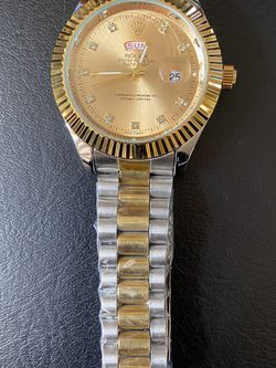 Men's Watch Gold Sliver Color for Sale in Dublin,  OH
