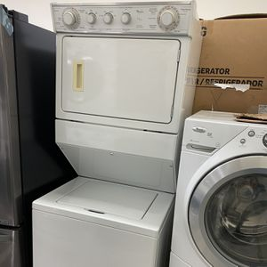 Whirlpool Gas Stackable 27 Wide for Sale in Santa Ana, CA