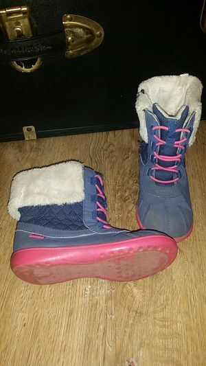carter's toddler girls snow boots for Sale in Fuquay Varina, NC