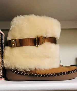 Honey bunny Jessica Simpson faux fur boots for Sale in Beltsville, MD