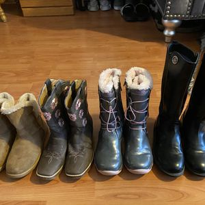 4 Pairs Of Girls Boots for Sale in Bartlett, IL