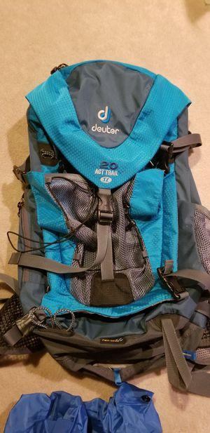 NEW Deuter ACT Trail SL 20 L Liter Backpacking Backpack for Sale in Bainbridge Island, WA
