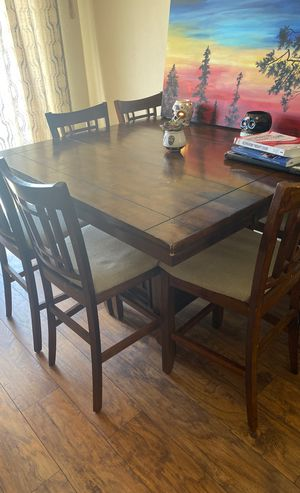 Dining Room Table - Bar Height for Sale in San Diego, CA