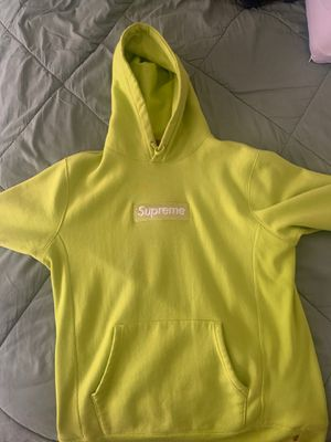 Supreme hoodie for Sale in Fort Washington, MD