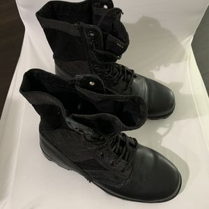 Military boots 7R for Sale in Hollywood, FL