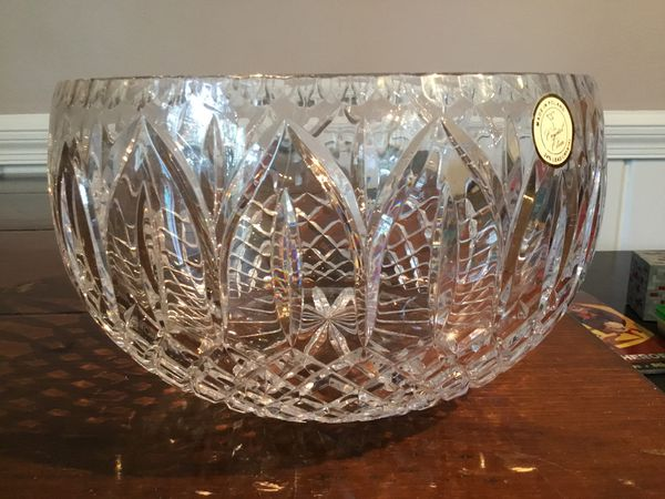 Crystal bowl, 9 inches wide by 6 inches high, never used, made in Poland. 24% Crystal.