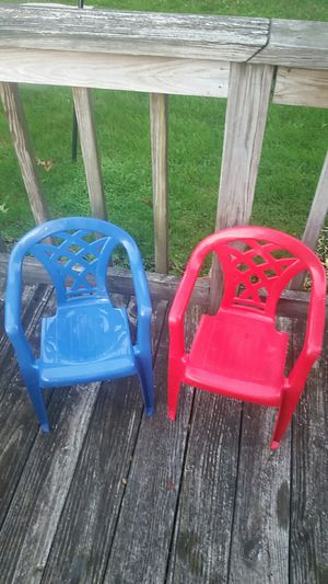 Kids plastic chairs for Sale in Toms River, NJ