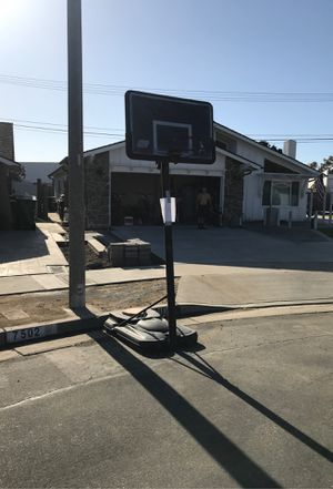 Basketball hoop FREE for Sale in Huntington Beach, CA