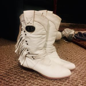 Ladies country boots for Sale in Indianapolis, IN