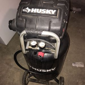 Husky Air Compressor for Sale in Cranberry Township, PA