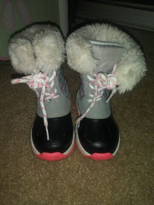 SNOW BOOTS for Sale in Fallbrook, CA