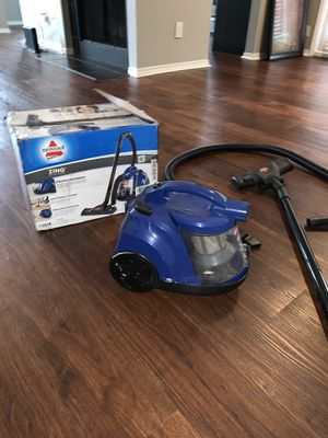 Bisssell vacuum cleaner for Sale in Dallas, TX