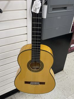 Yamaha Acoustic Guitar for Sale in Chicago,  IL