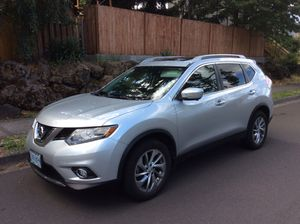 2014 NISSAN ROGUE AWD SILVER for Sale in Gresham, OR