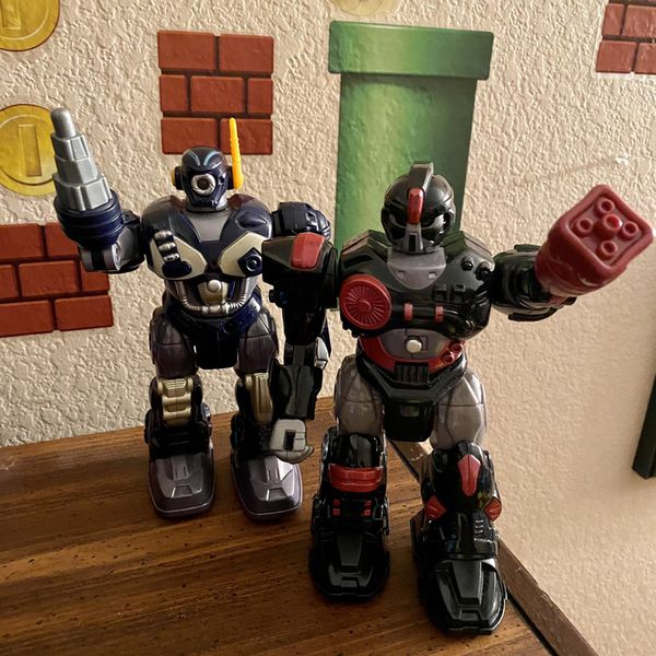 2 Walking Robots (battery Operated)