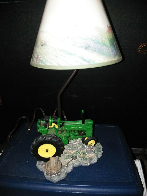 John Deere metal tractor lamp