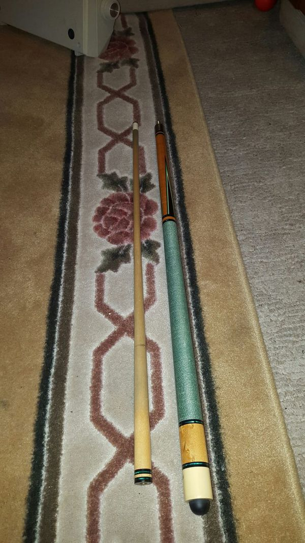 Billiard cue wood stick