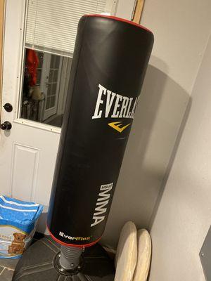 Freestanding Punching Bag Everlast for Sale in Beaverton, OR