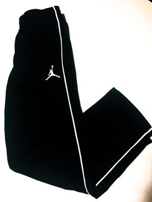 NIKE Air Jordan Sweatpants, Youth Size Medium for Sale in Las Vegas, NV
