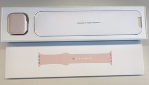 Brand new series 4 Apple Watch GPS +cellular 40mm Gold for Sale in Seattle, WA