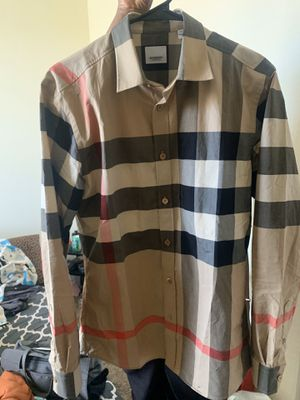 Burberry shirt size small for Sale in Alameda, CA