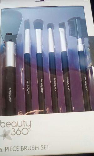 Makeup brush set for Sale in Riverside, CA
