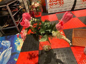 Floor vase with flowers for $3 for Sale in Herndon, VA