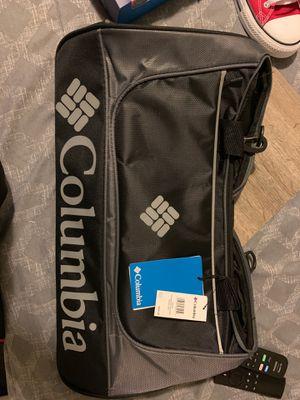Columbia duffle bag for Sale in Philadelphia, PA