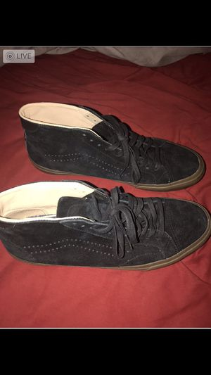 Brand new NEVER worn black vans with gum bottoms $35 10/10 condition NEVER WORN for Sale in Laveen Village, AZ