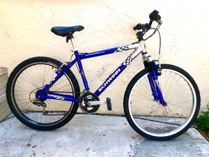 """26"""" SCHWINN Mountain bike. 21 Speeds. Front Suspension. BEAUTIFUL BICYCLE !! for Sale in Miami Lakes, FL"""