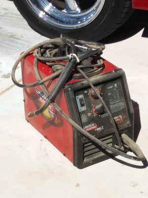 Lincoln 3200HD wire feed welder for Sale in Peoria, AZ