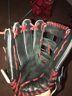 2015 Rawlings Heart of the Hide Outfielders glove for Sale in Greenwood,  IN