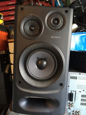 2 Sony stereo speakers they work great for Sale in Pompano Beach, FL