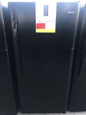 12/12/19 NEW FRIGIDAIRE 18 cu ft TOP FREEZER REFRIGERATOR IN BLACK 90 days warranty garantia for Sale in Dallas, TX