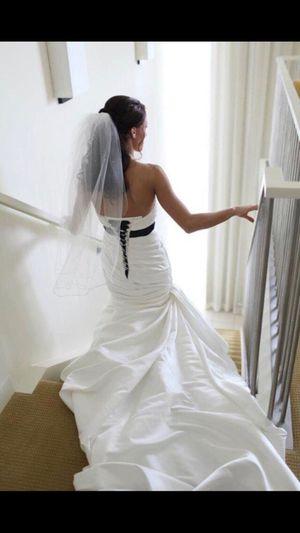 Petite wedding ivory wedding dress - MAKE OFFER for Sale in St. Petersburg, FL