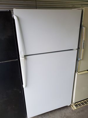 Maytag refrigerator for Sale in Nashville, TN