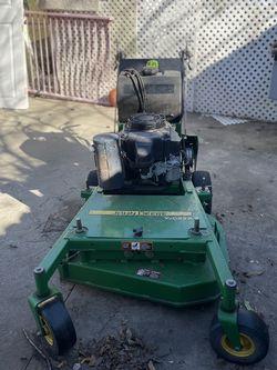 Walk Behind Mower John Deer 32 1500$ for Sale in McKinney,  TX